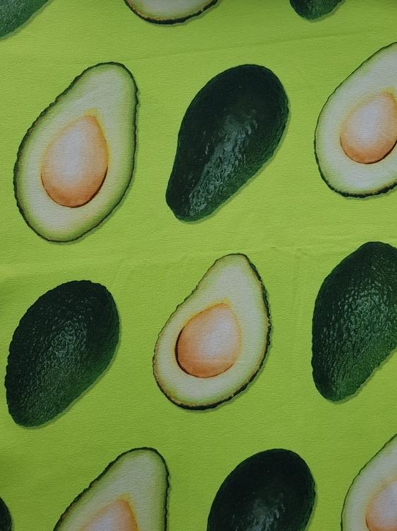Grön avokado
