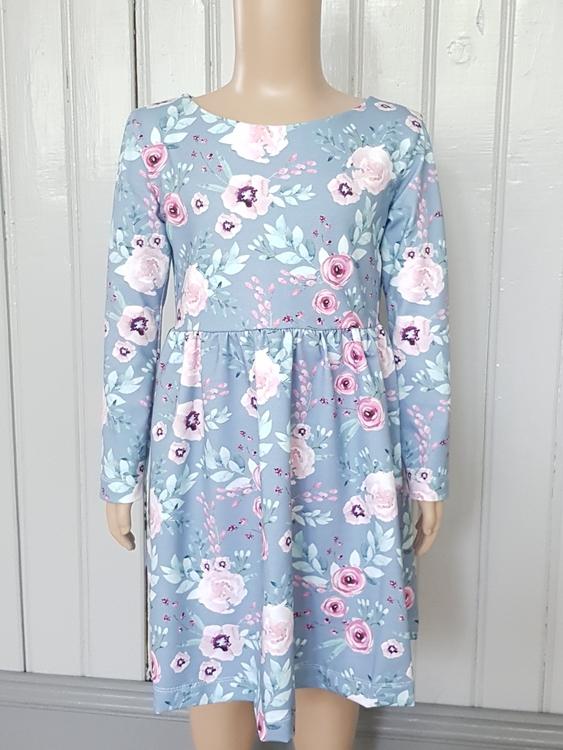 Långärmad klänning (116)
