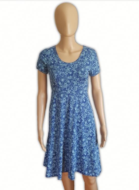 Klänning blå blommor (36/38)