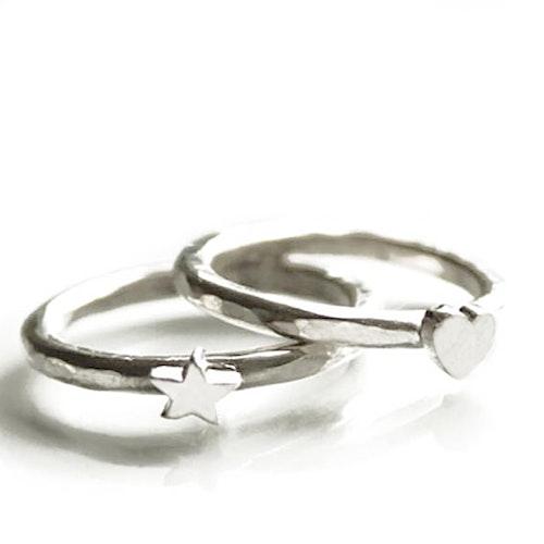 NOVA ring med hjärta / stjärna