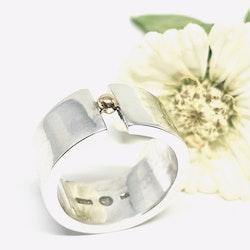 GILDA bred ring med guldkula