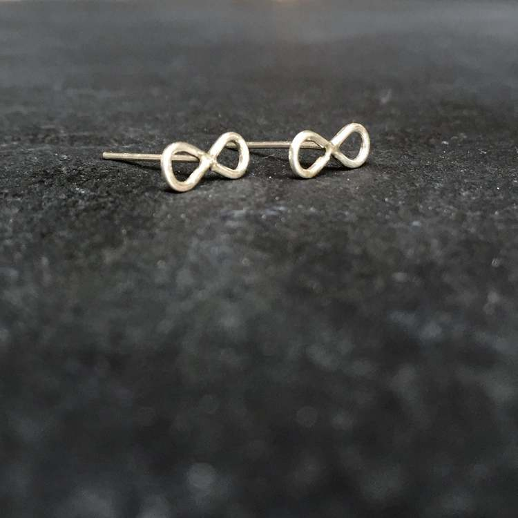 INFINITY STUDS 925 SILVER