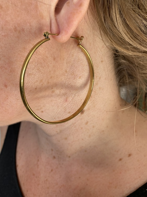 FLAT BIG HOOPS I MÄSSING
