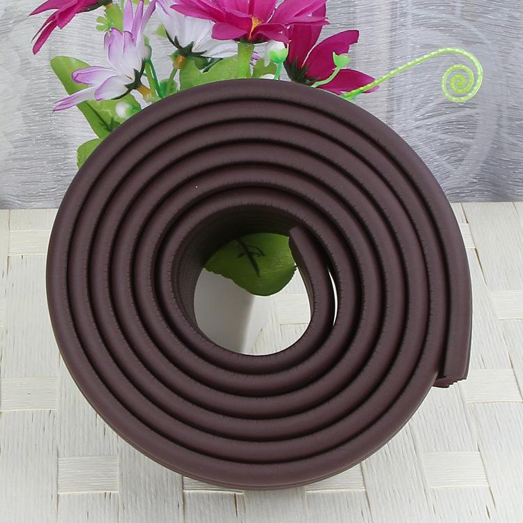 Brett kantskydd till bord och kanter i färgen brunt
