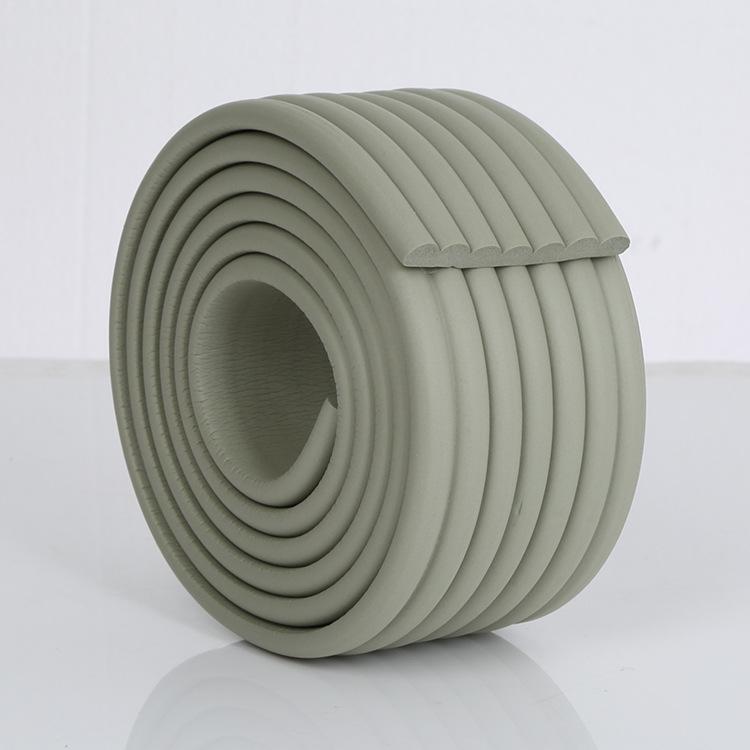 Brett kantskydd till bord och kanter i färgen grått
