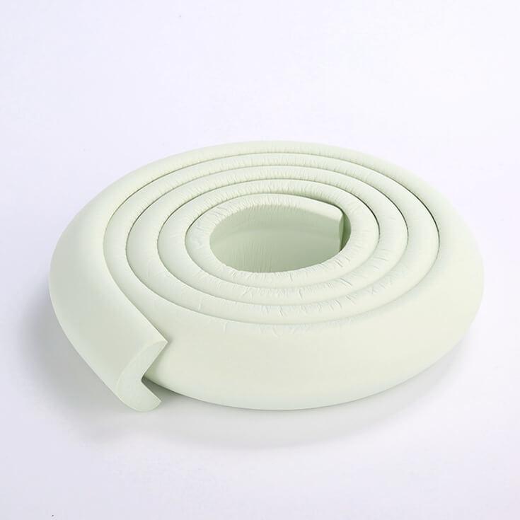 Kantskydd till bord i färgen vit