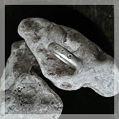 VALE med tre diamanter