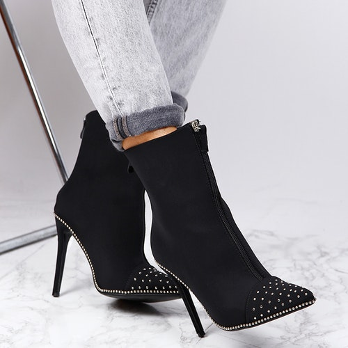 BLACK HIGH HEELS WITH BLING