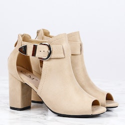 Footloop - women cate milly heels in sand