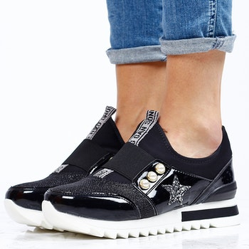 Women sneakers in star black