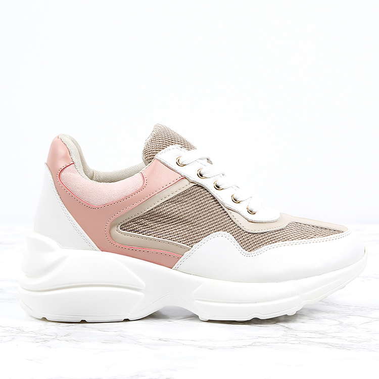 Cloud runners in light pink