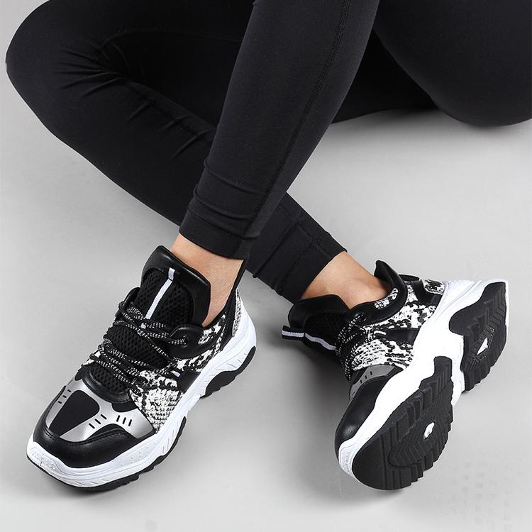 Sneakers Stella in black snake