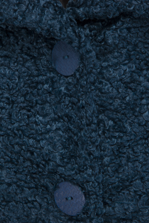DesignWerket Fusk Päls i härlig petrolblå färg