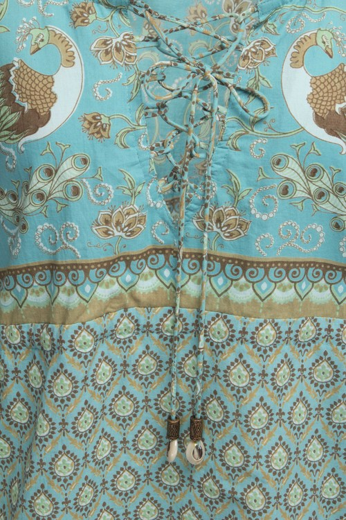 Lalamour långklänning finns i turkos och vinrött