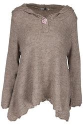 A linje formad stickad tröja, med luva från Design Werket Debbie