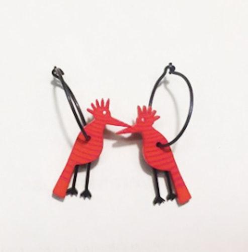 Örhängen röda hackspettar