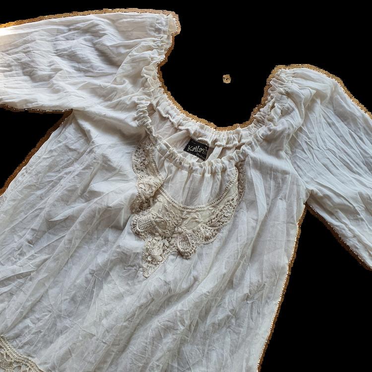 Kailash singoalla klänning A linje form, med spetsdetaljer