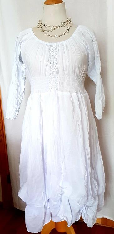 Klänning Majsan i bomullsvoile från Faith, 2 färger