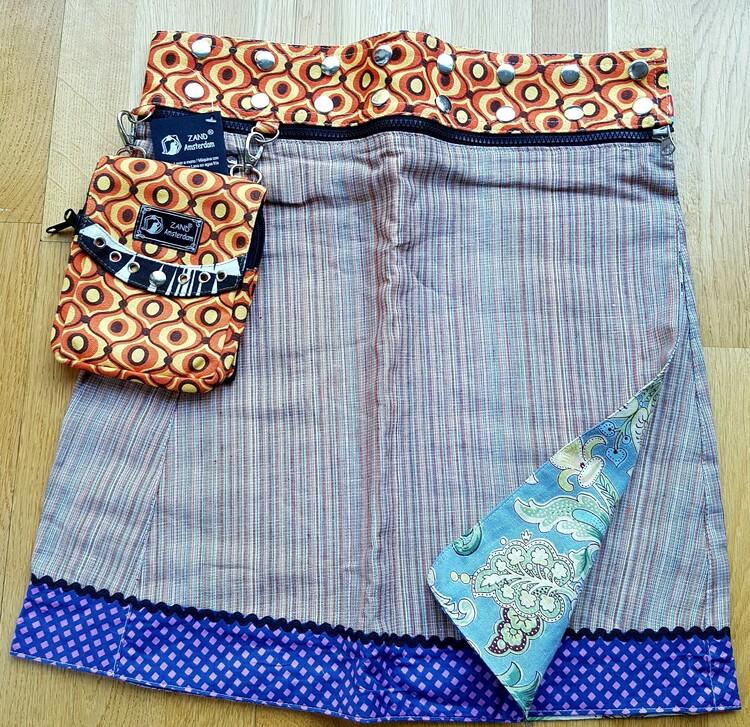 Zand Amsterdam, flera kjolar i en, rostblå färgkombination. Free size