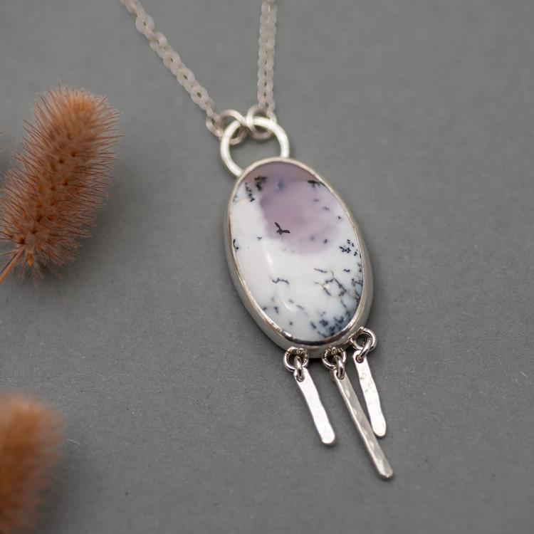 Halsband med dendritisk agat och återvunnet silver
