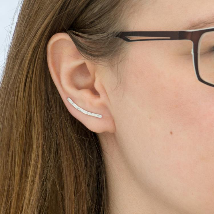 Singel Ear Climber Större – Örhänge i Återvunnet Silver