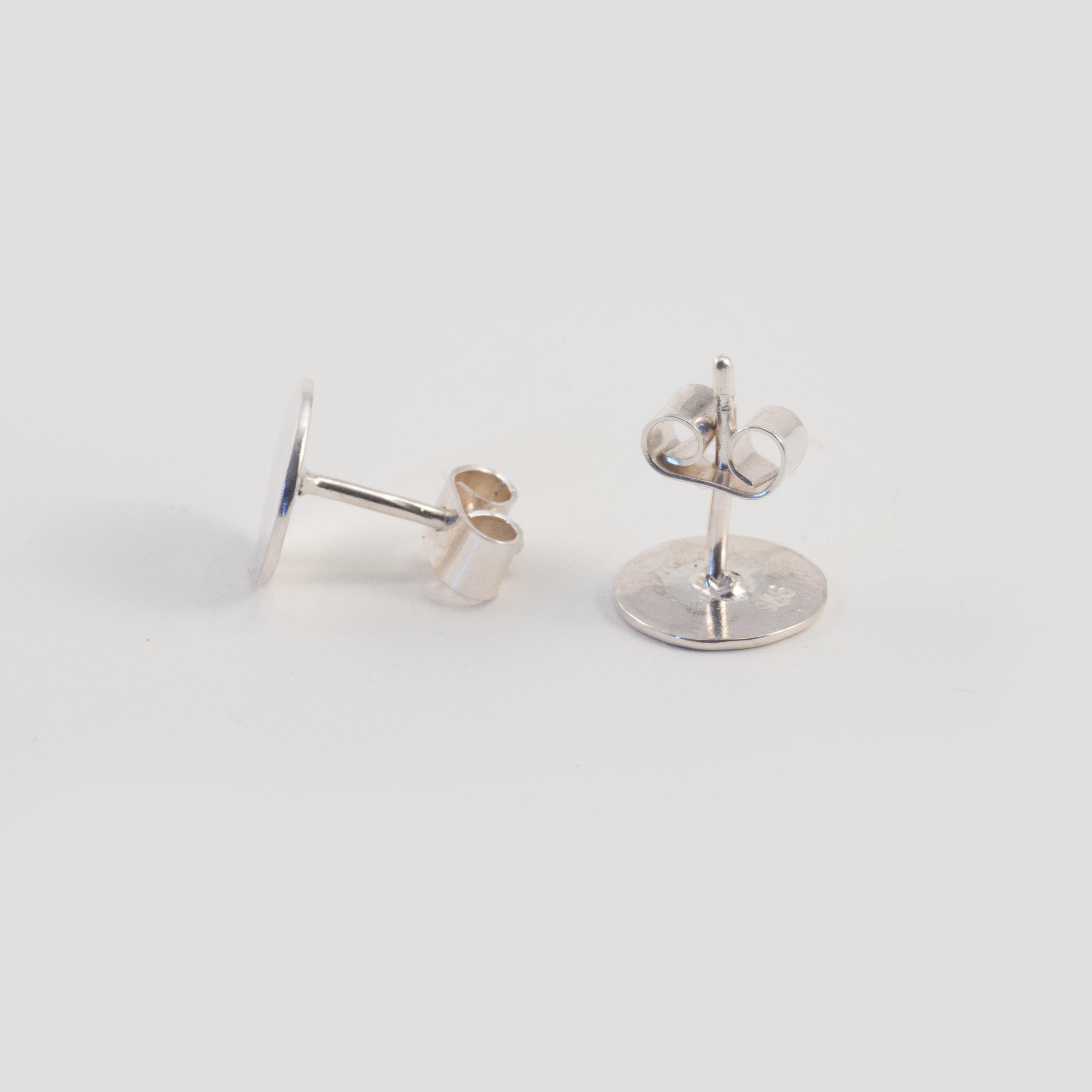 Örhänge Små Diskar Återvunnet Silver