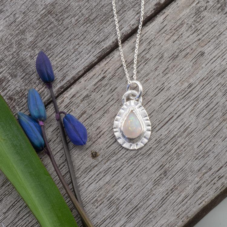 Stråla - Litet Halsband med Opal i Sterling Silver