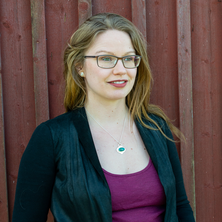 REA Stråla - Halsband med Kryskolla i Sterling Silver