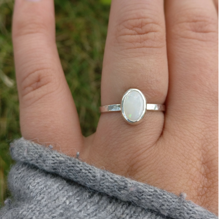 Silverring med Återvunnen Opal Sten