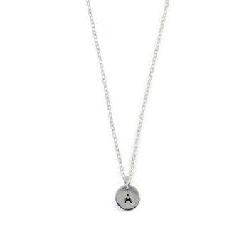 Svala - Halsband med bokstav i Återvunnet Silver