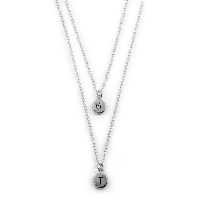 Sparv - Halsband med två Kedjor och Bokstäver i Återvunnet Silver