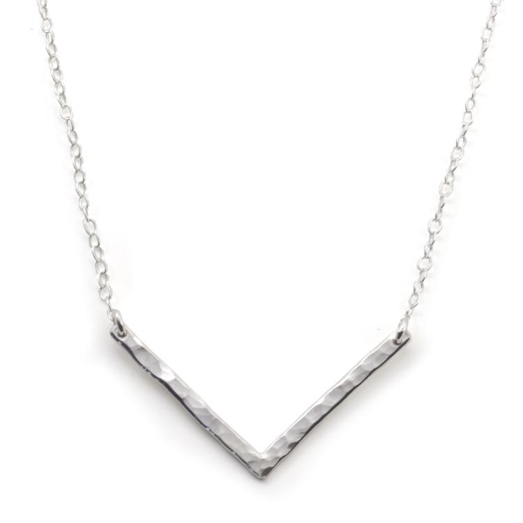 Halsband Stort V i Återvunnet Silver