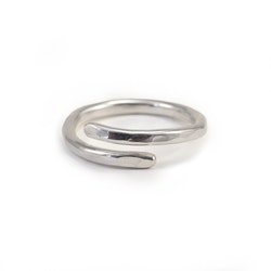 Wrap – Öppen Ring i Återvunnet Silver