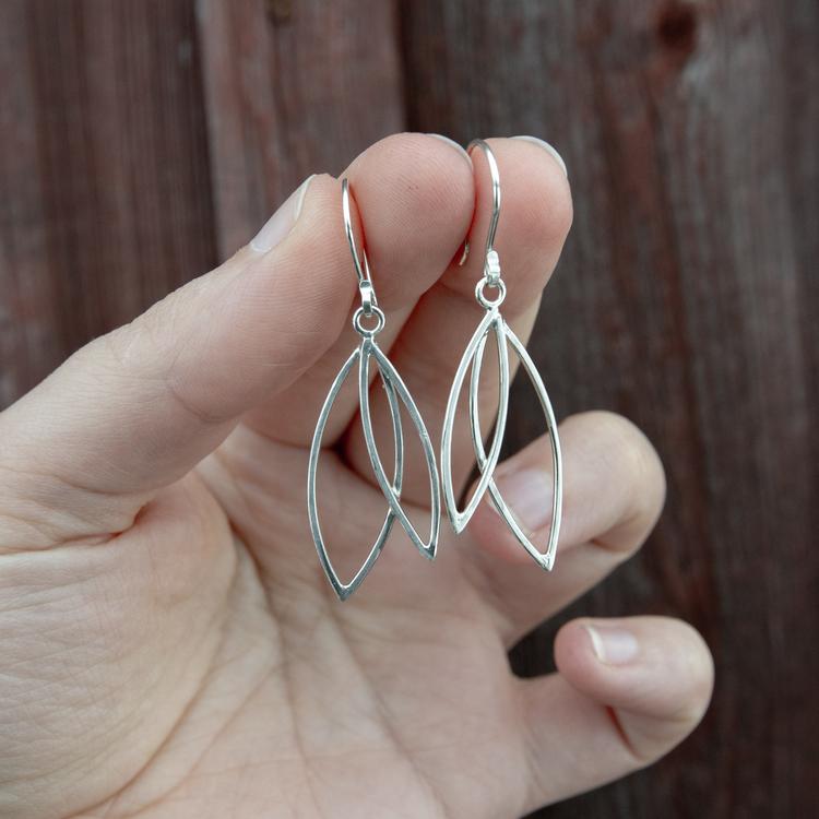 Spira - Örhängen i Återvunnet Silver