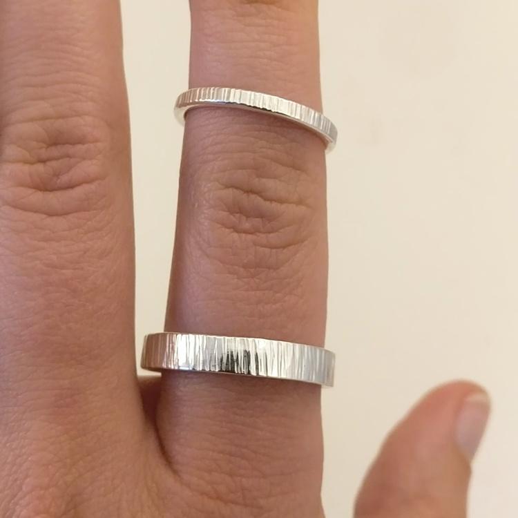 Handgjord silverring 2,5 mm. Återvunnet silver.