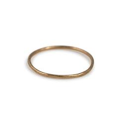 18k Extra Tunn Ring 0,9 mm i Återvunnet Guld