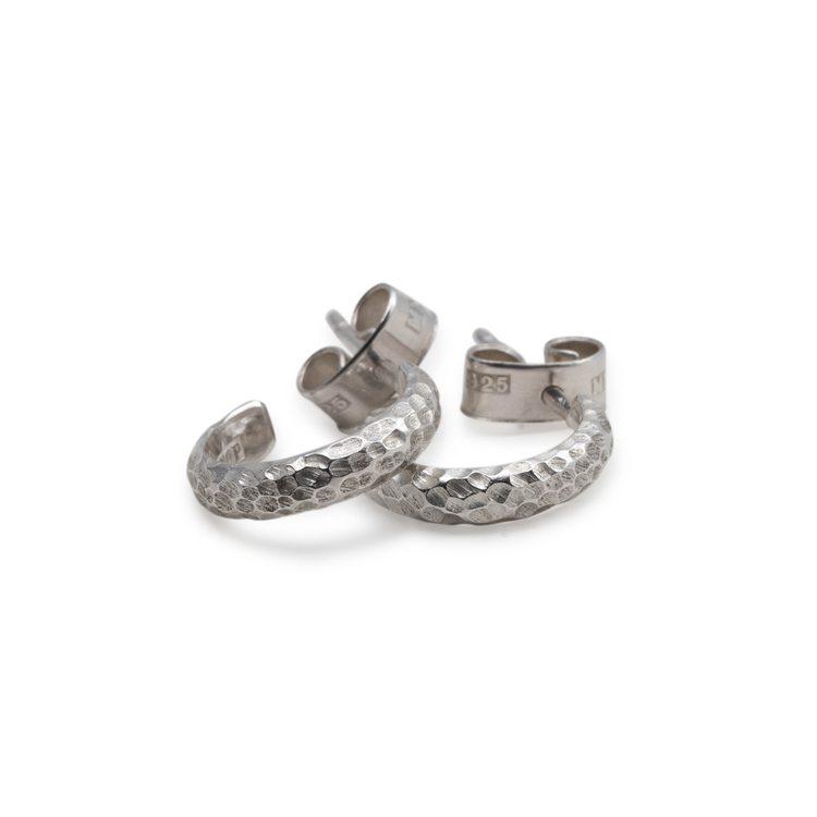 Svall - Huggies Örhängen i Återvunnet Silver