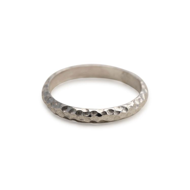 Silverring. Statement-ring i återvunnet silver. Handgjord.