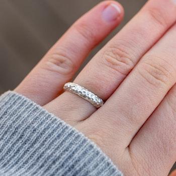Svall Ring 4 mm Återvunnet Silver