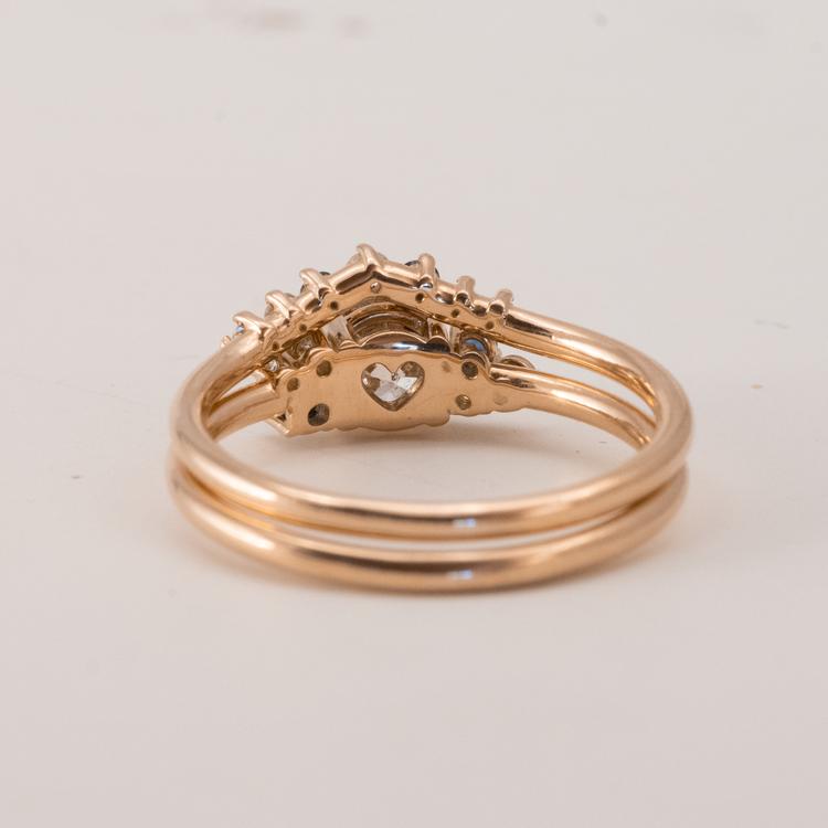 Diamantringar. Set med två guldringar och diamanter.