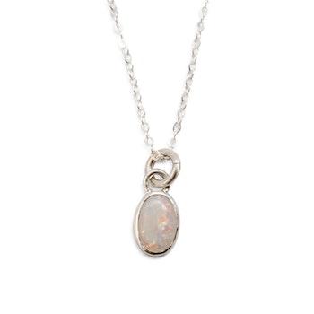 Halsband med återvunnen opal i silver