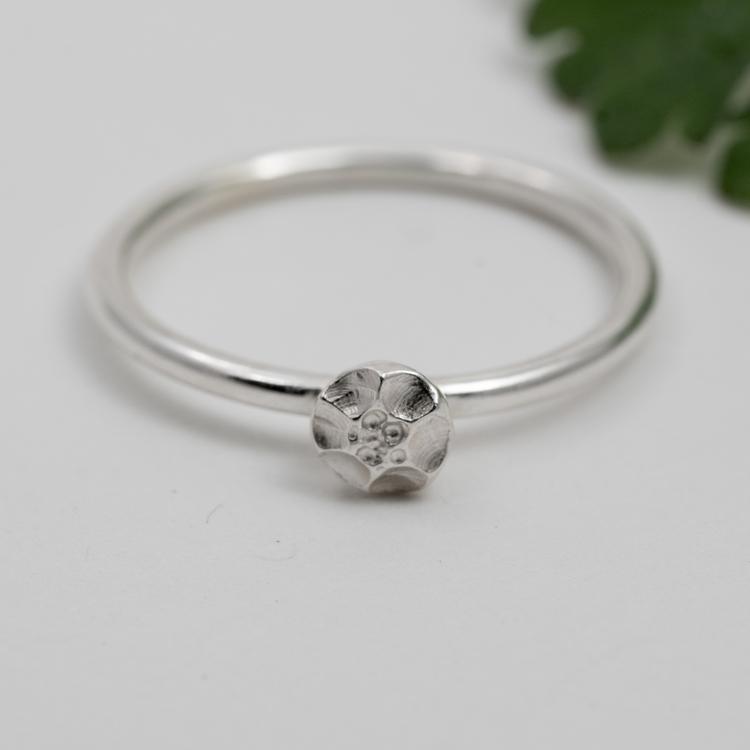 Handgjord Ring Frö Återvunnet Silver