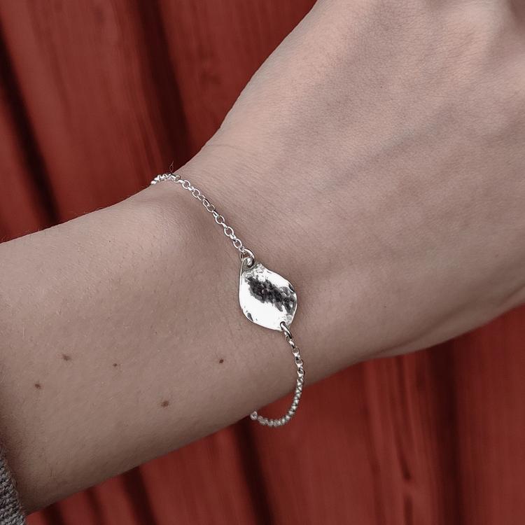 Handgjort Silverarmband med blad Återvunnet silver Modell