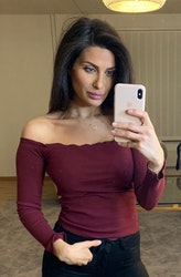 Adrianna Off Shoulder Long Sleeve Top Bordeaux