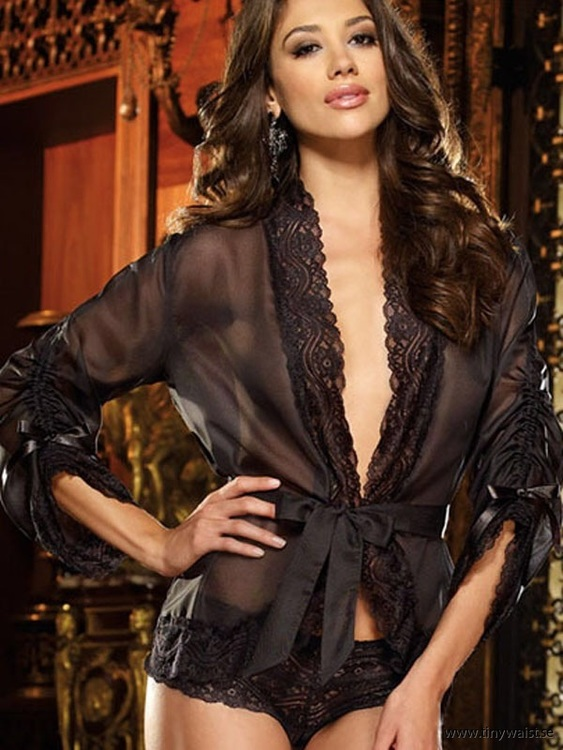 Estelle Lace Robe Black