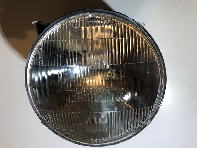 Framlampa / Sealed Beam
