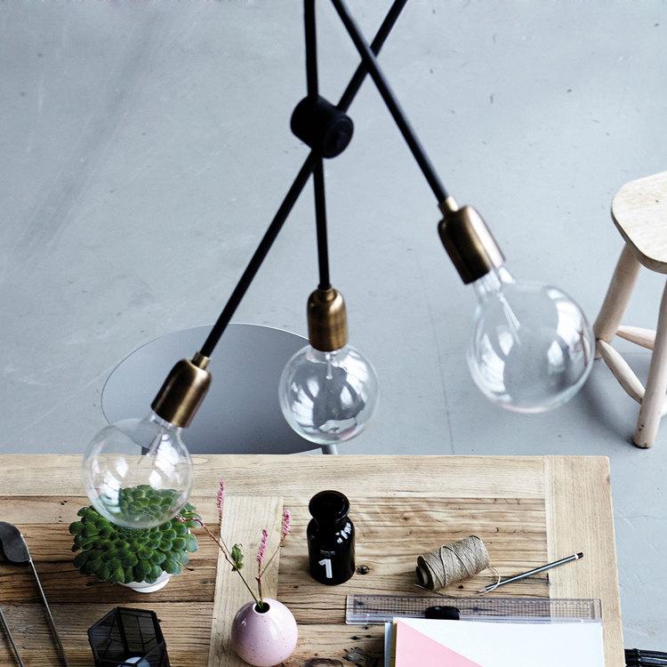 LAMP, MOLECULAR B.: 68 CM, H.: 78 CM