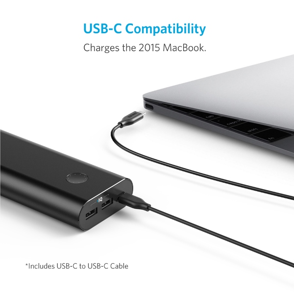 Anker PowerCore+ 20100mAh powerbank med USB-C som laddar en MacBook