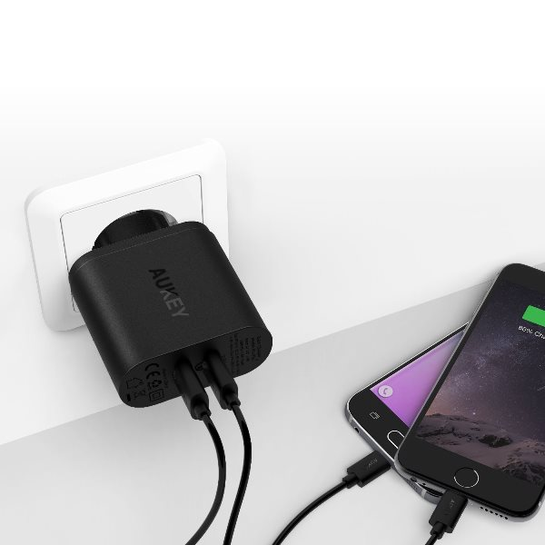 Aukey mobilladdare med 2 uttag med Quick Charge 3.0 laddar även utan Quick Charge