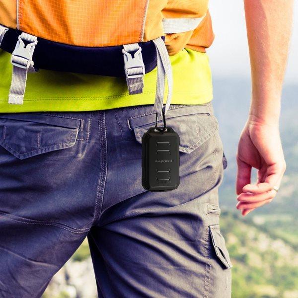 RAVPower Rugged 10050mAh powerbank för utomhus - lätt att bära med